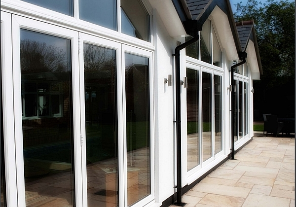 Liniar ModlLok bi-folding door supplied to trade in Ipswich ...